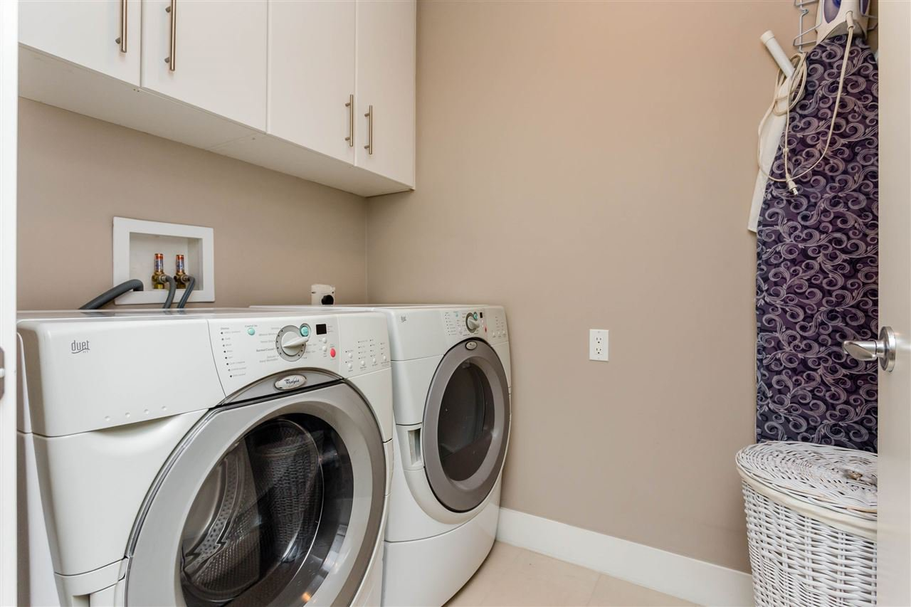 """Photo 15: Photos: 202 16447 64 Avenue in Surrey: Cloverdale BC Condo for sale in """"St. Andrew's"""" (Cloverdale)  : MLS®# R2184121"""