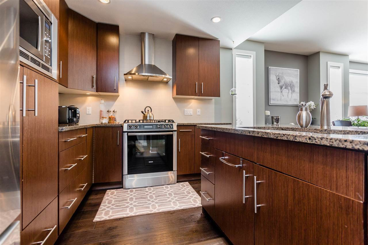 """Photo 3: Photos: 202 16447 64 Avenue in Surrey: Cloverdale BC Condo for sale in """"St. Andrew's"""" (Cloverdale)  : MLS®# R2184121"""