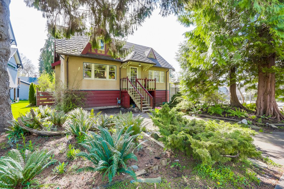 Main Photo: 3726 West 27th Ave in West of Dunbar: Home for sale