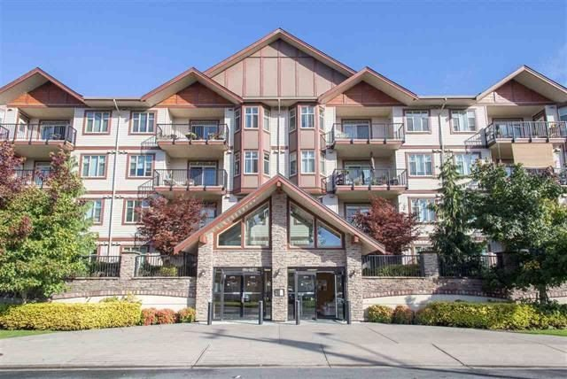 """Main Photo: 411 45615 BRETT Avenue in Chilliwack: Chilliwack W Young-Well Condo for sale in """"THE REGENT"""" : MLS®# R2234076"""