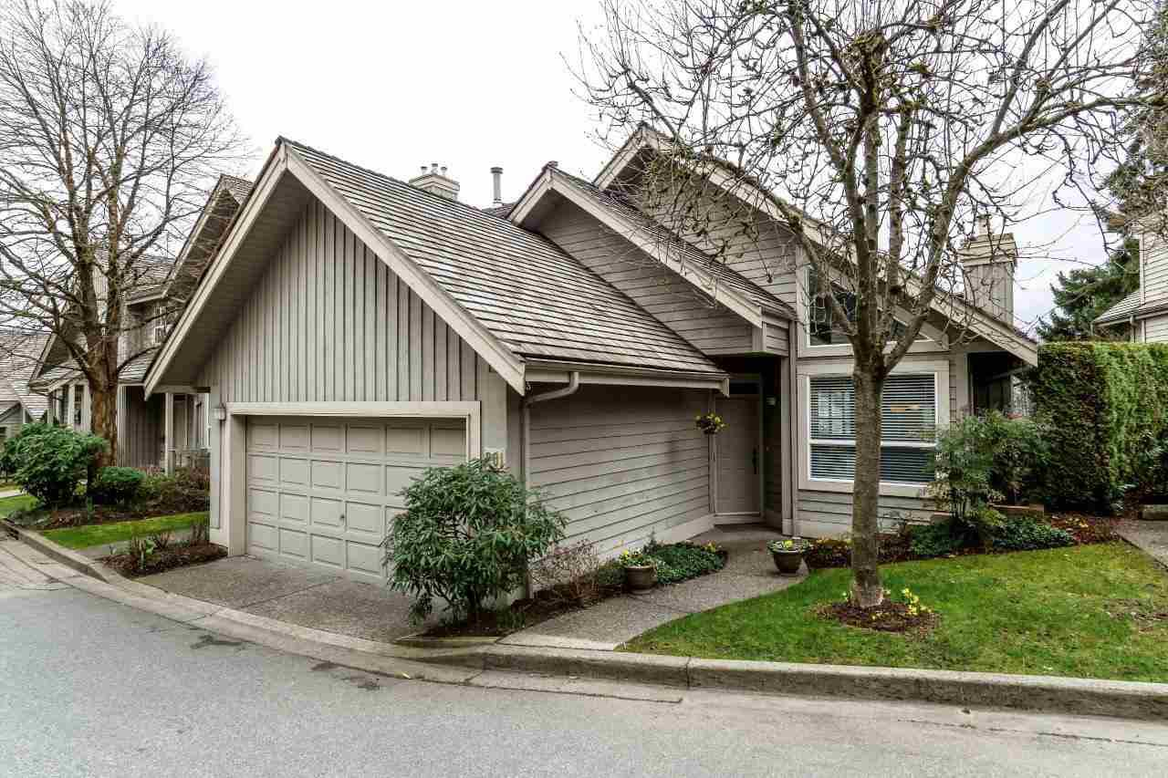 "Main Photo: 201 1465 PARKWAY Boulevard in Coquitlam: Westwood Plateau Townhouse for sale in ""SILVER OAK"" : MLS®# R2249659"
