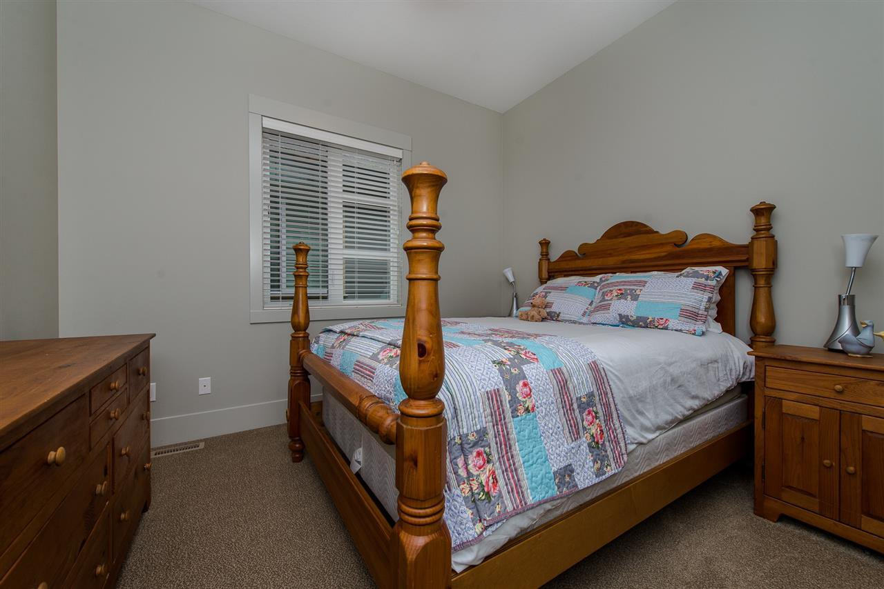 """Photo 15: Photos: 14 45348 MAGDALENA Place: Cultus Lake House for sale in """"RIVERSTONE ESTATES"""" : MLS®# R2257207"""