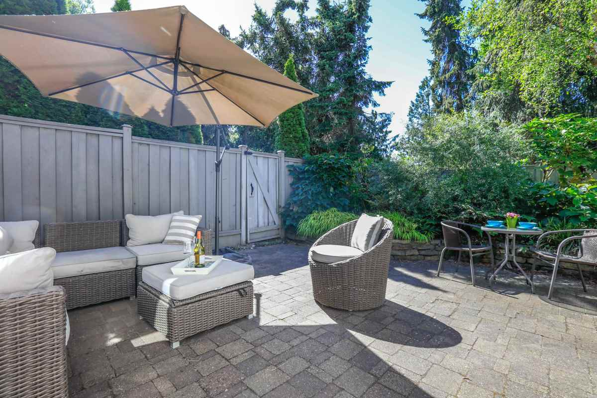 "Main Photo: 3472 WEYMOOR Place in Vancouver: Champlain Heights Townhouse for sale in ""MOORPARK"" (Vancouver East)  : MLS®# R2281219"