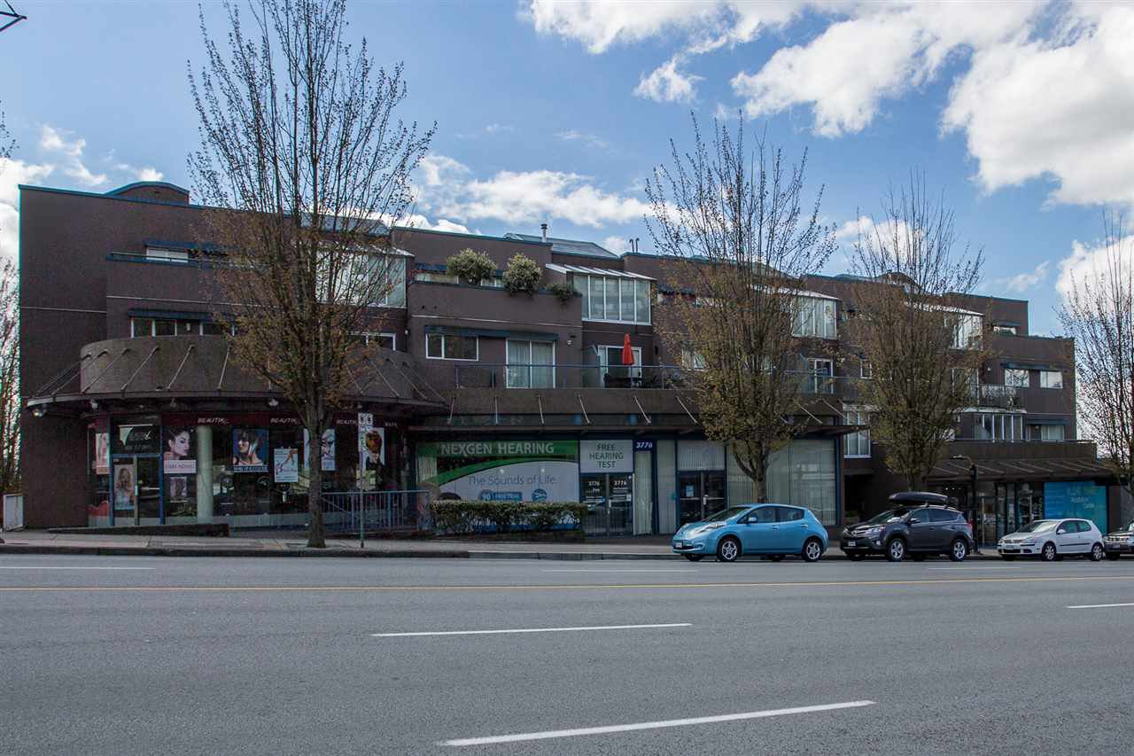"Main Photo: 207 3768 HASTINGS Street in Burnaby: Willingdon Heights Condo for sale in ""The Heights"" (Burnaby North)  : MLS®# R2359850"