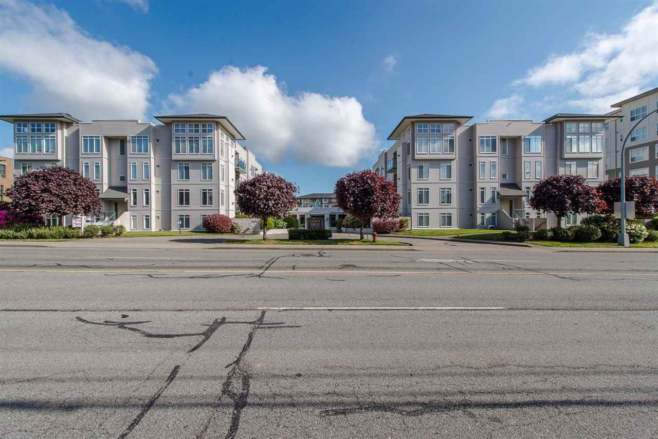 """Photo 2: Photos: 318 32085 GEORGE FERGUSON Way in Abbotsford: Abbotsford West Condo for sale in """"Arbour Court"""" : MLS®# R2376542"""
