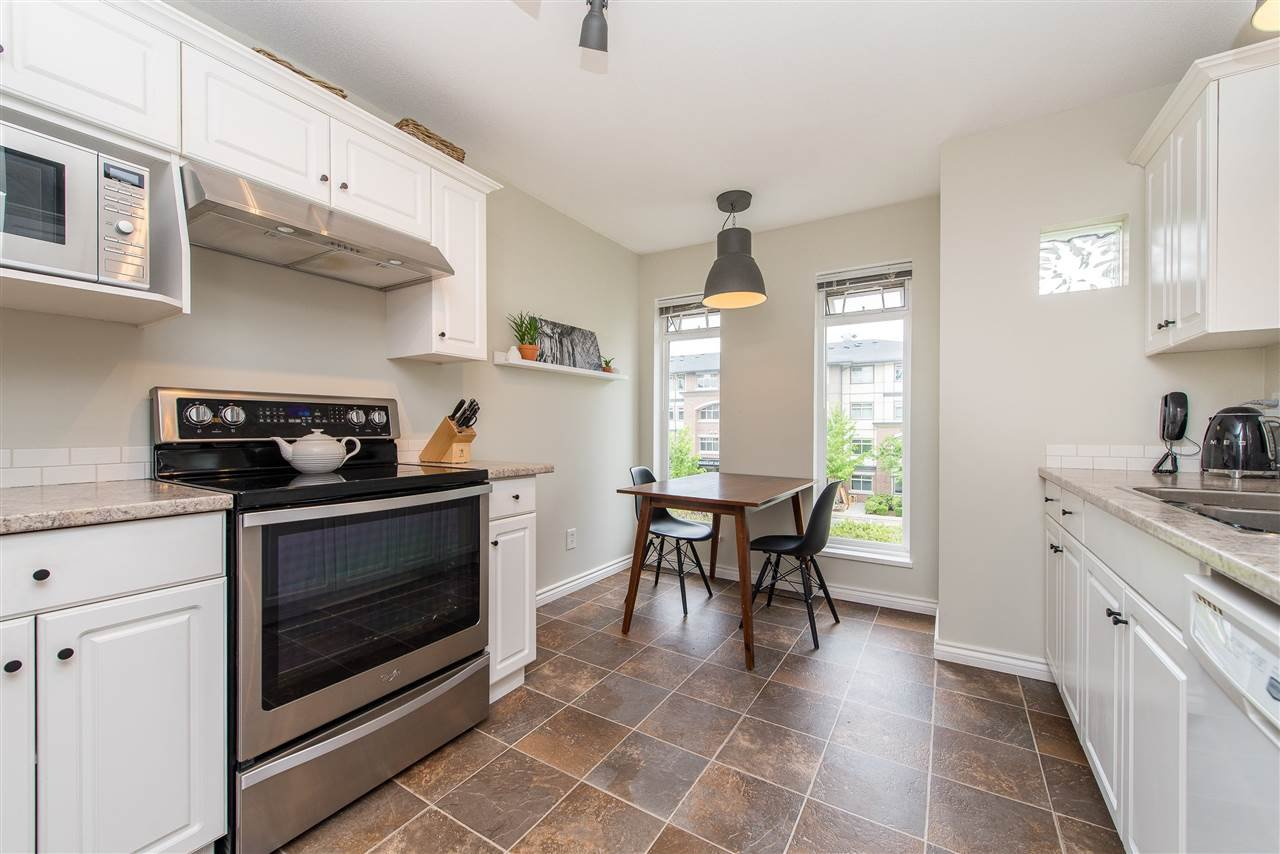 """Photo 13: Photos: 318 32085 GEORGE FERGUSON Way in Abbotsford: Abbotsford West Condo for sale in """"Arbour Court"""" : MLS®# R2376542"""