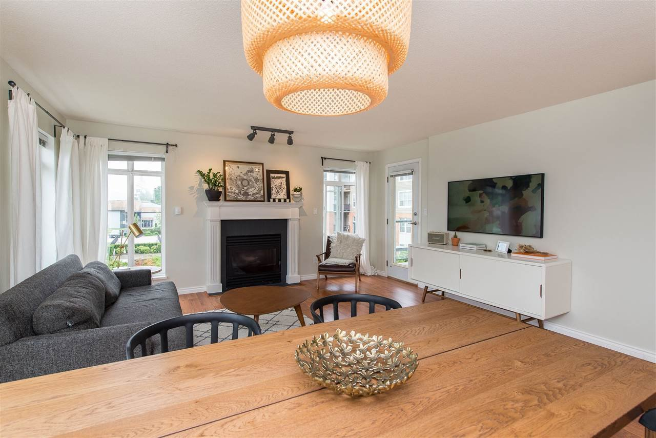 """Photo 7: Photos: 318 32085 GEORGE FERGUSON Way in Abbotsford: Abbotsford West Condo for sale in """"Arbour Court"""" : MLS®# R2376542"""