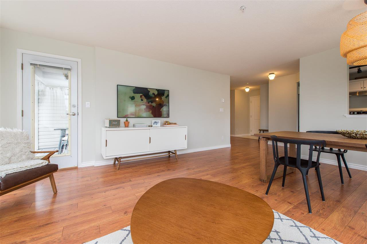"""Photo 9: Photos: 318 32085 GEORGE FERGUSON Way in Abbotsford: Abbotsford West Condo for sale in """"Arbour Court"""" : MLS®# R2376542"""