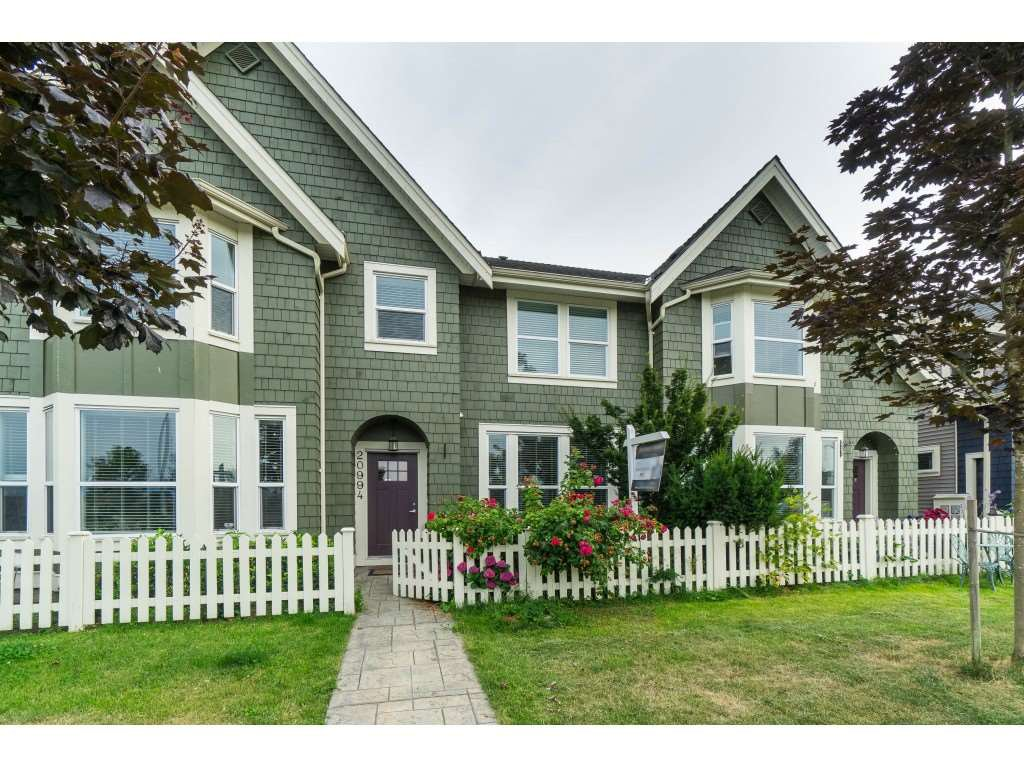 """Main Photo: 20994 77A Avenue in Langley: Willoughby Heights Condo for sale in """"IVY ROW"""" : MLS®# R2381955"""