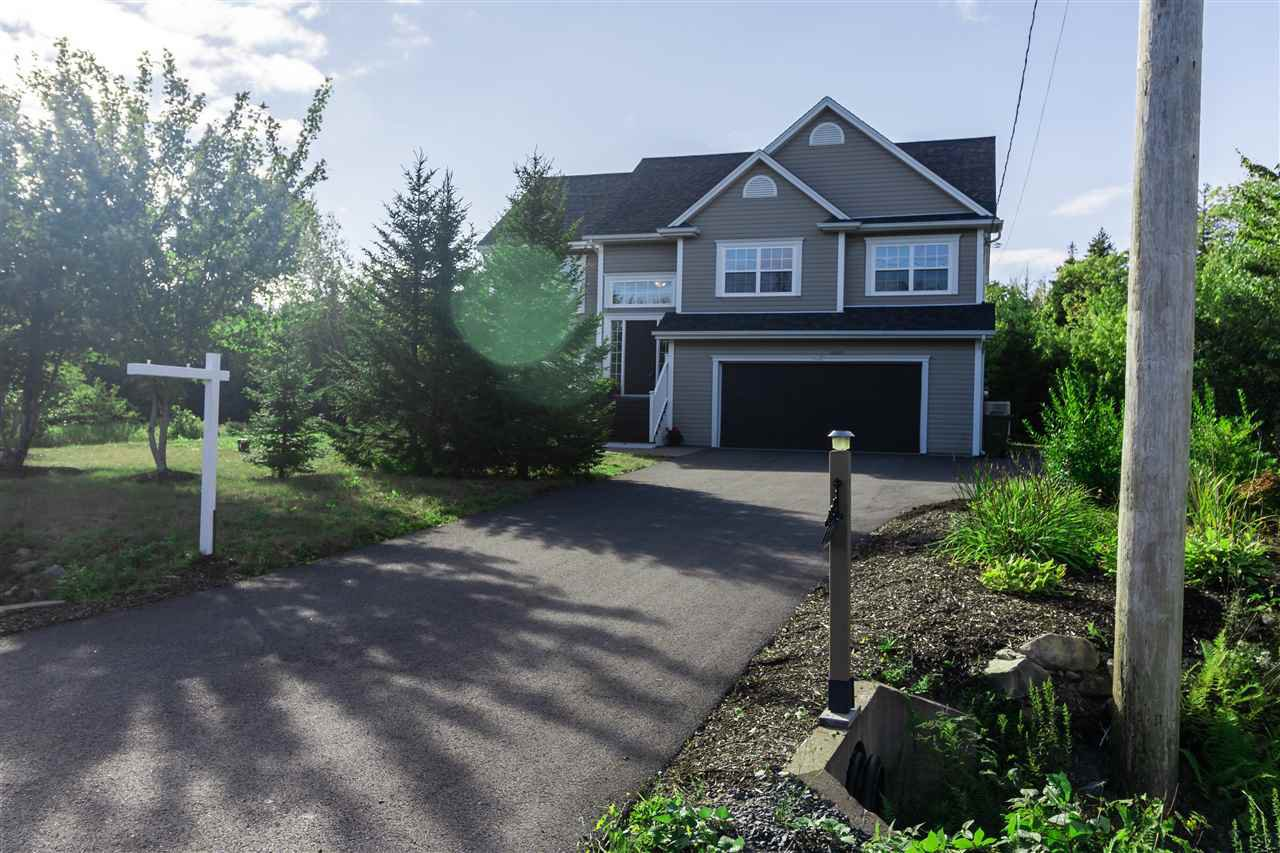 Main Photo: 331 Newbury Road in Hammonds Plains: 21-Kingswood, Haliburton Hills, Hammonds Pl. Residential for sale (Halifax-Dartmouth)  : MLS®# 202018818