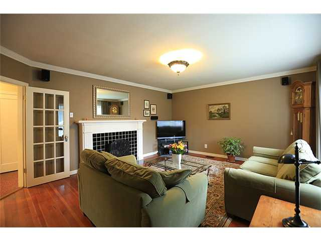Photo 2: Photos: 929 SIXTH Street in New Westminster: GlenBrooke North House for sale : MLS®# V1049972