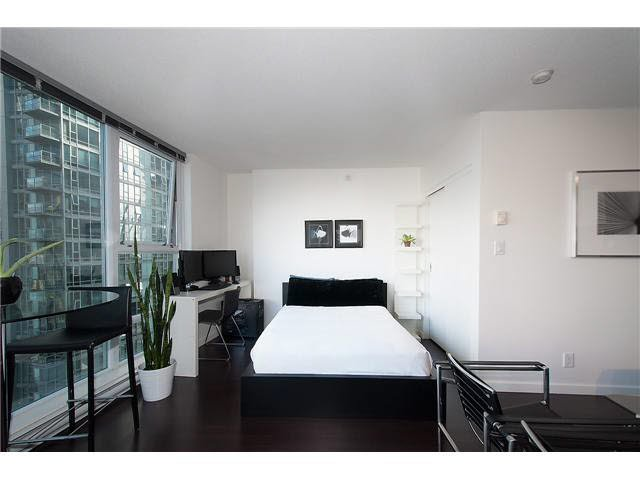 """Photo 5: Photos: 1607 668 CITADEL PARADE in Vancouver: Downtown VW Condo for sale in """"SPECTRUM"""" (Vancouver West)  : MLS®# V1093440"""