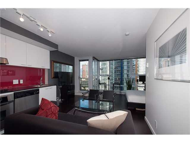 """Photo 3: Photos: 1607 668 CITADEL PARADE in Vancouver: Downtown VW Condo for sale in """"SPECTRUM"""" (Vancouver West)  : MLS®# V1093440"""
