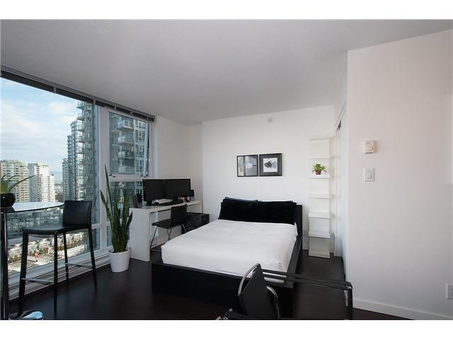 """Photo 8: Photos: 1607 668 CITADEL PARADE in Vancouver: Downtown VW Condo for sale in """"SPECTRUM"""" (Vancouver West)  : MLS®# V1093440"""
