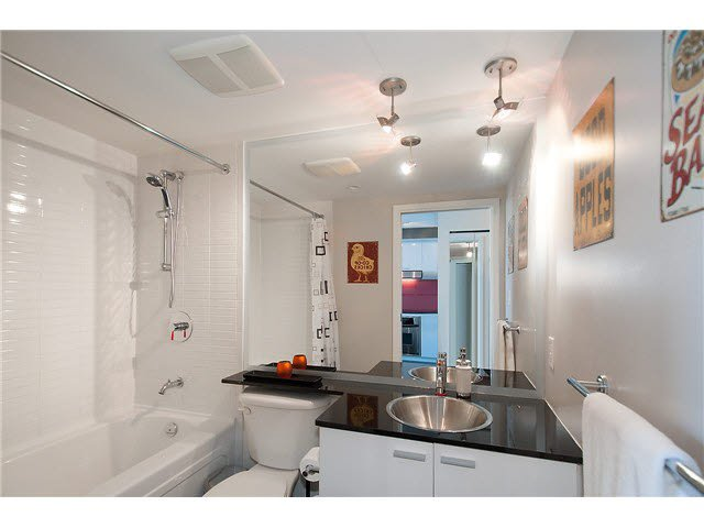 """Photo 10: Photos: 1607 668 CITADEL PARADE in Vancouver: Downtown VW Condo for sale in """"SPECTRUM"""" (Vancouver West)  : MLS®# V1093440"""