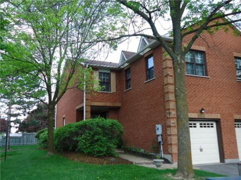 Main Photo: 302 Wilkes Court in Aurora: Aurora Village Condo for sale : MLS®# N3210204