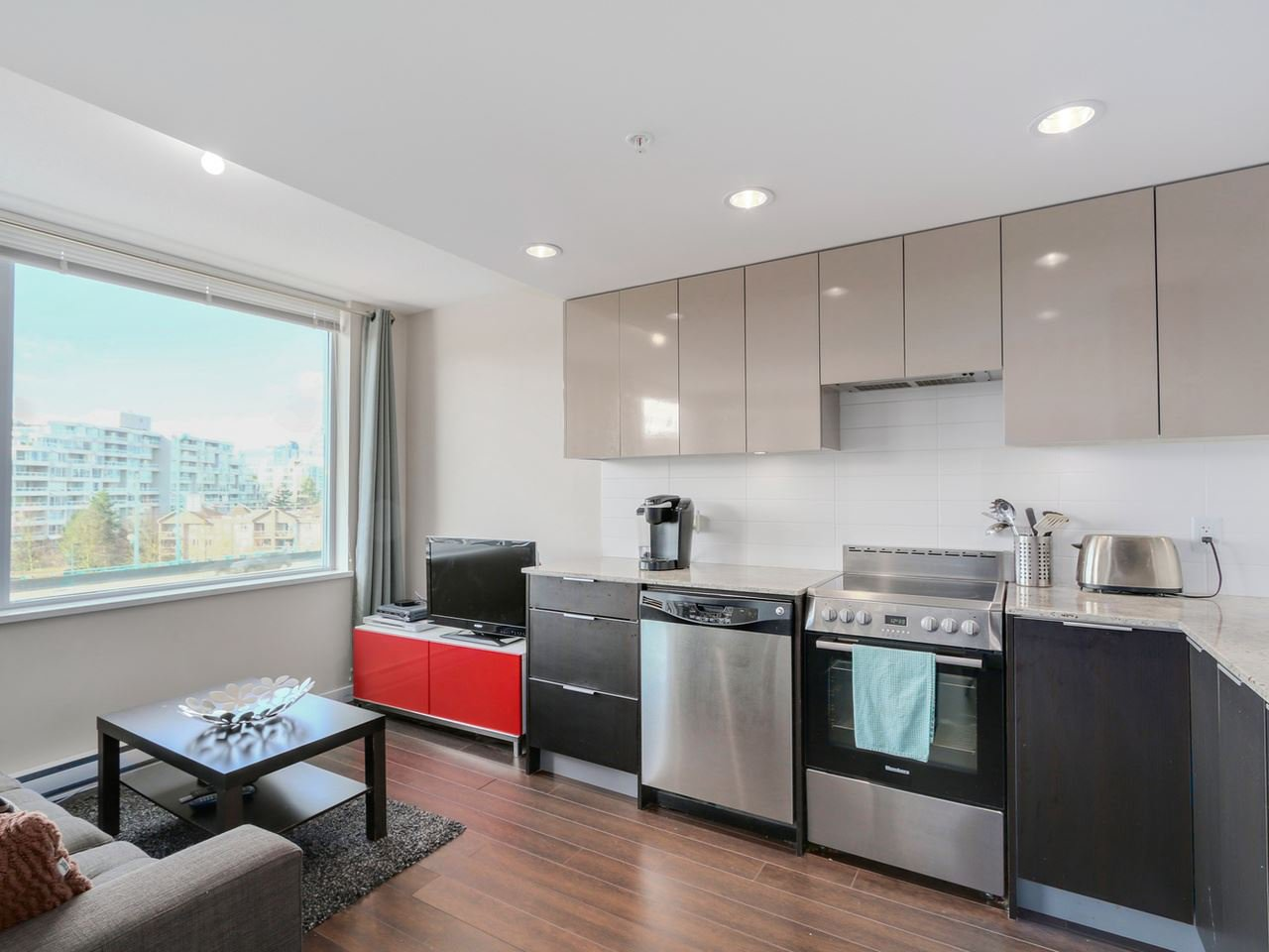 "Main Photo: 612 445 W 2ND Avenue in Vancouver: False Creek Condo for sale in ""Maynard's Block"" (Vancouver West)  : MLS®# R2034960"