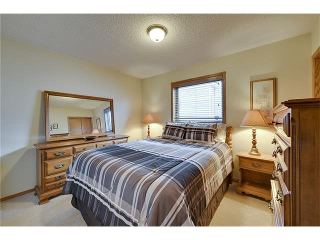 Photo 11: Photos: 834 COVENTRY Drive NE in Calgary: Coventry Hills House for sale : MLS®# C4054976