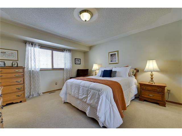 Photo 8: Photos: 834 COVENTRY Drive NE in Calgary: Coventry Hills House for sale : MLS®# C4054976