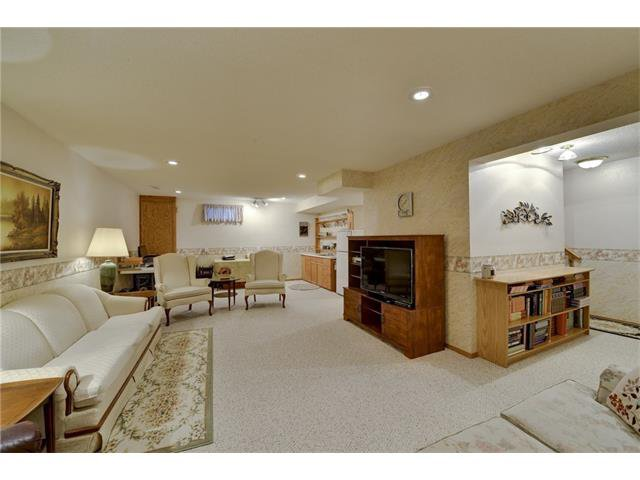 Photo 14: Photos: 834 COVENTRY Drive NE in Calgary: Coventry Hills House for sale : MLS®# C4054976