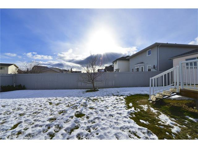 Photo 18: Photos: 834 COVENTRY Drive NE in Calgary: Coventry Hills House for sale : MLS®# C4054976