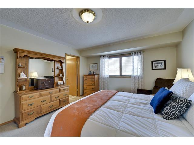 Photo 9: Photos: 834 COVENTRY Drive NE in Calgary: Coventry Hills House for sale : MLS®# C4054976