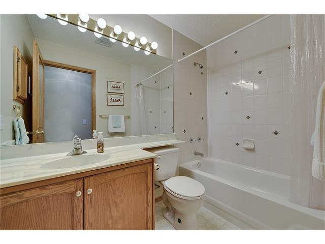 Photo 12: Photos: 834 COVENTRY Drive NE in Calgary: Coventry Hills House for sale : MLS®# C4054976
