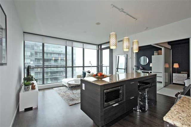 Main Photo: 1709 8 Charlotte Street in Toronto: Waterfront Communities C1 Condo for sale (Toronto C01)  : MLS®# C3462344