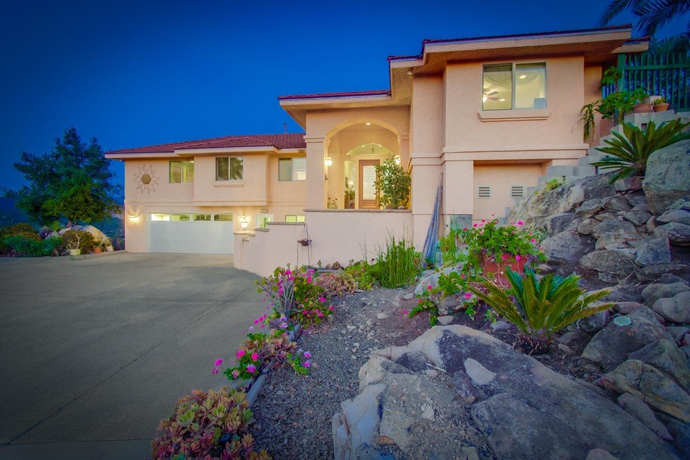 Main Photo: NORTH ESCONDIDO House for sale : 4 bedrooms : 1749 E Sheridan in Escondido