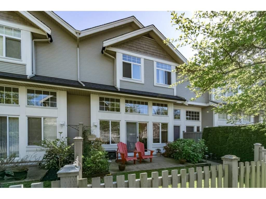 "Photo 1: Photos: 30 23343 KANAKA Way in Maple Ridge: Cottonwood MR Townhouse for sale in ""COTTONWOOD GROVE"" : MLS®# R2164744"
