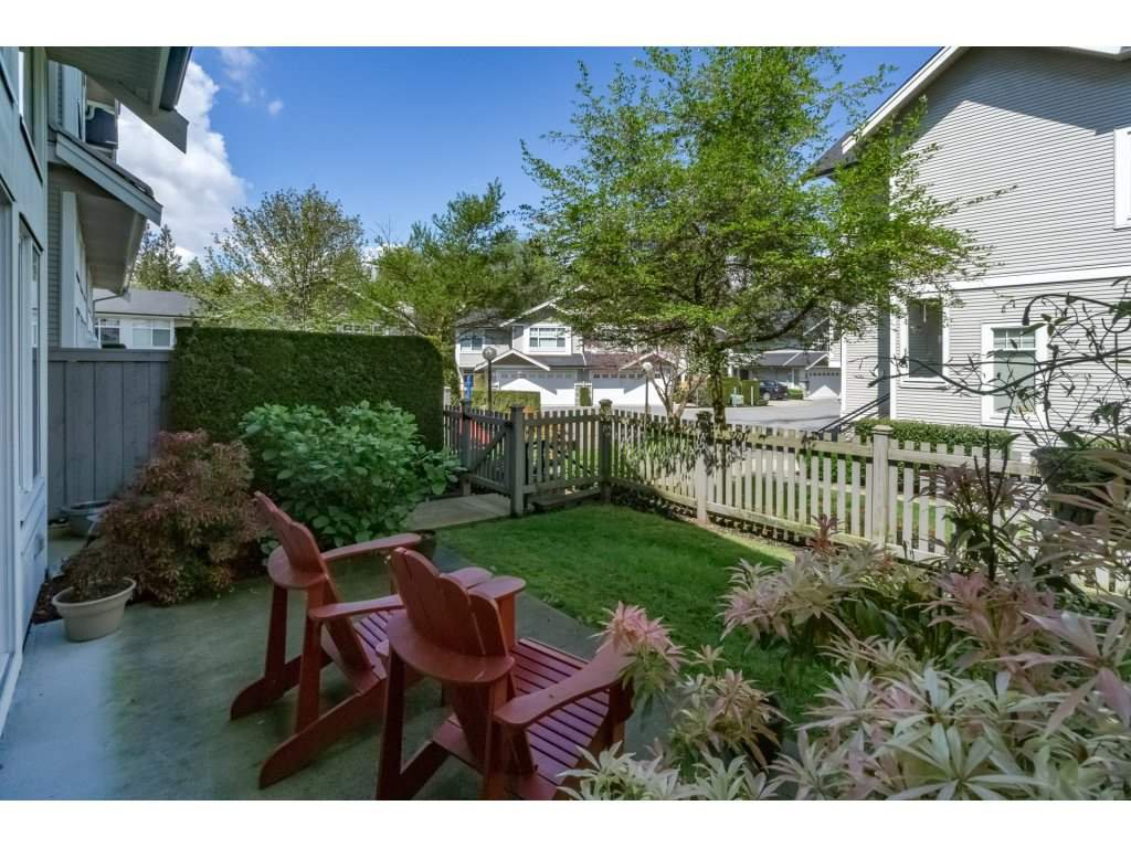 "Photo 2: Photos: 30 23343 KANAKA Way in Maple Ridge: Cottonwood MR Townhouse for sale in ""COTTONWOOD GROVE"" : MLS®# R2164744"