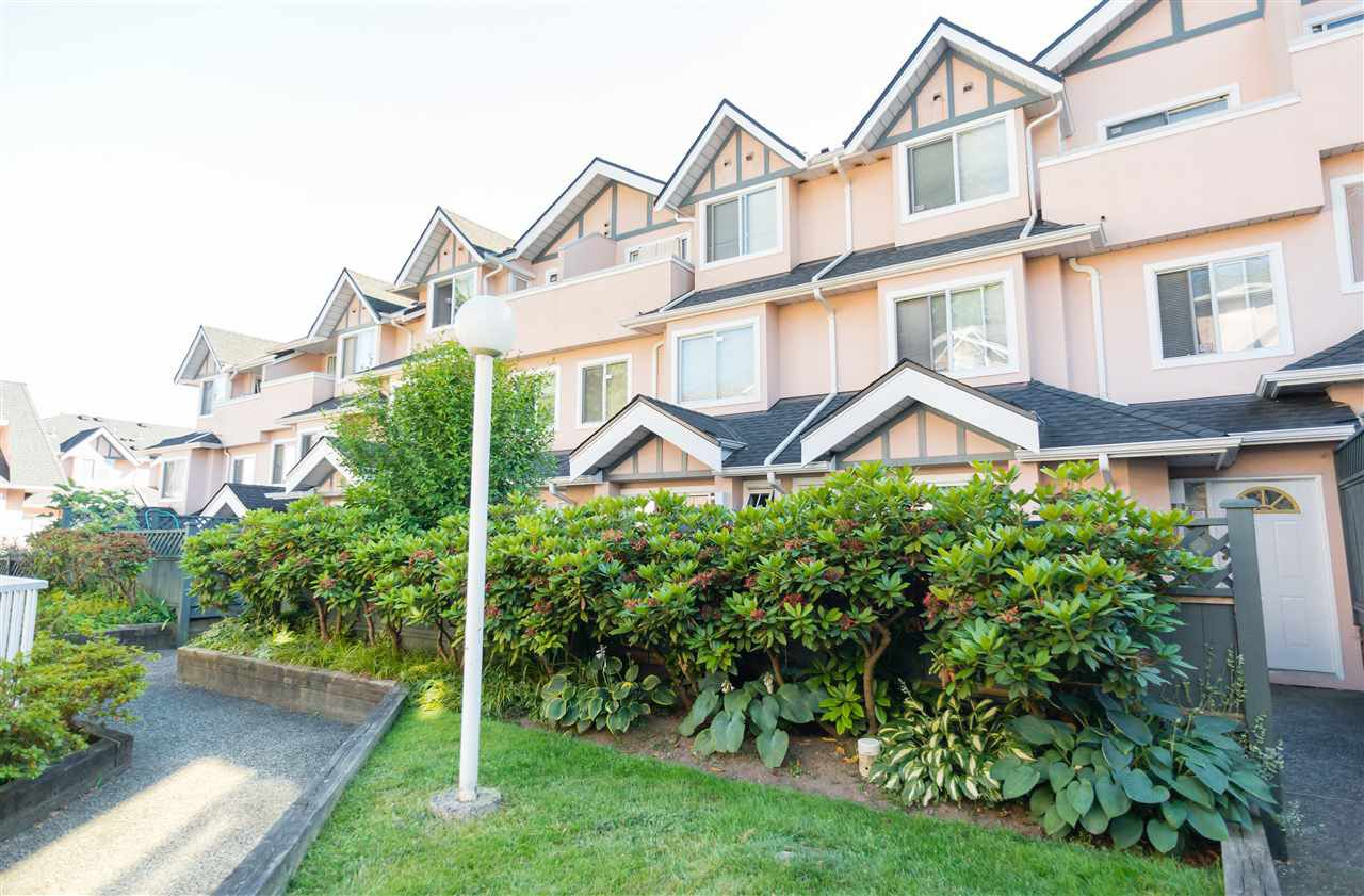 "Main Photo: 23 7433 16TH Street in Burnaby: Edmonds BE Townhouse for sale in ""VILLAGE DEL MAR"" (Burnaby East)  : MLS®# R2186151"