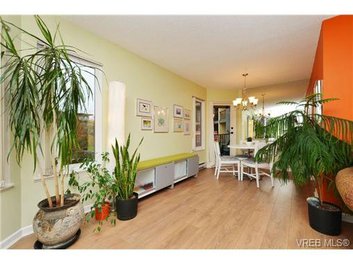 Main Photo: 214 1149 Rockland Avenue in VICTORIA: Vi Downtown Residential for sale (Victoria)  : MLS®# 346661
