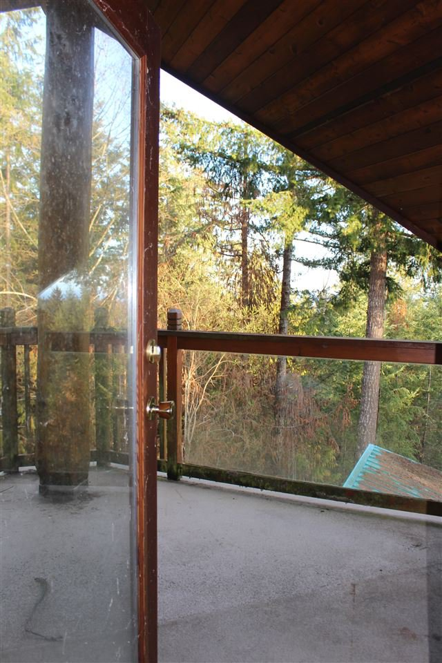 "Photo 10: Photos: 7969 ROCKY RIDGE Road in Halfmoon Bay: Halfmn Bay Secret Cv Redroofs House for sale in ""OFF LEANING TREE LANE"" (Sunshine Coast)  : MLS®# R2259511"