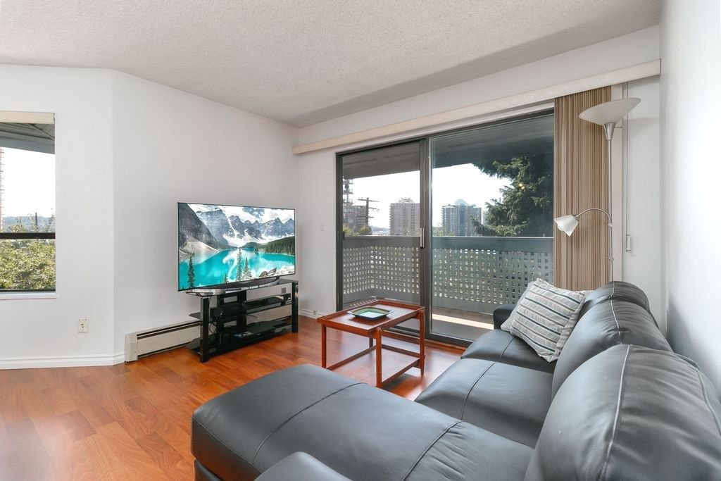 Main Photo: 304 109 TENTH Street in New Westminster: Uptown NW Condo for sale : MLS®# R2296434