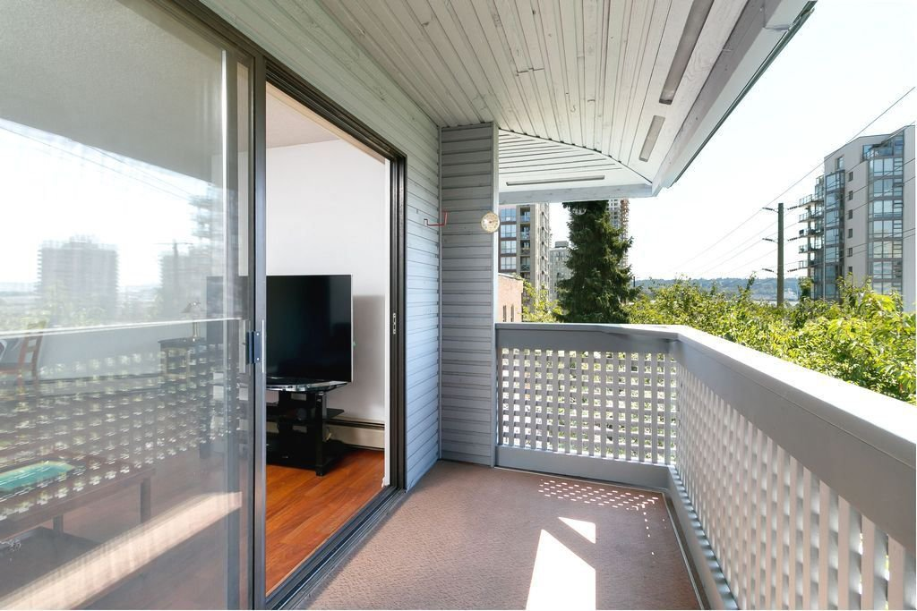 Photo 17: Photos: 304 109 TENTH Street in New Westminster: Uptown NW Condo for sale : MLS®# R2296434