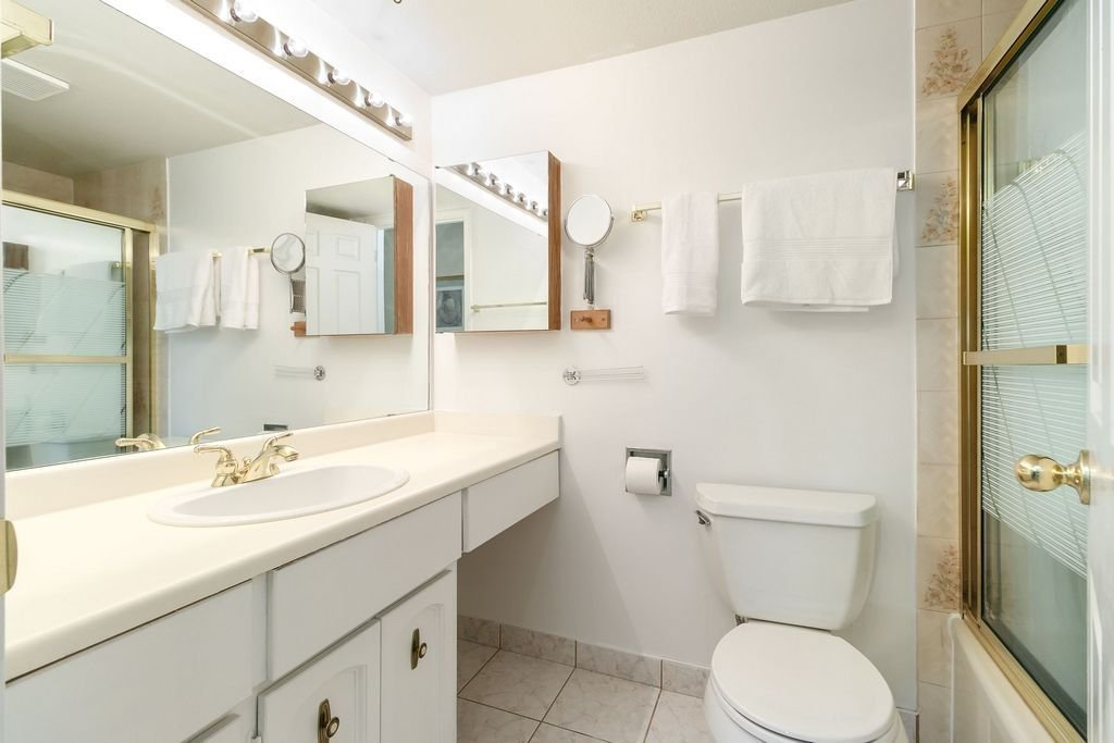 Photo 16: Photos: 304 109 TENTH Street in New Westminster: Uptown NW Condo for sale : MLS®# R2296434
