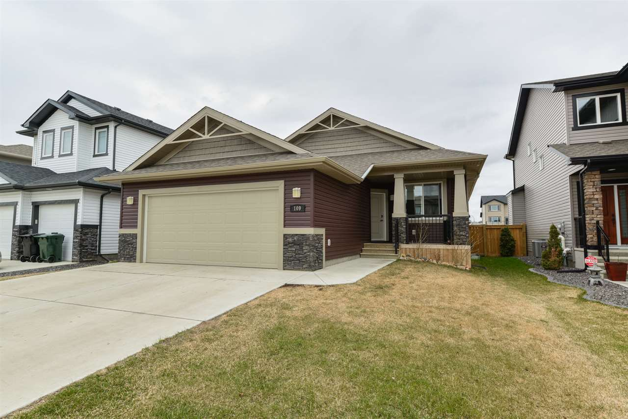 Main Photo: 109 HILLDOWNS Drive: Spruce Grove House for sale : MLS®# E4146802