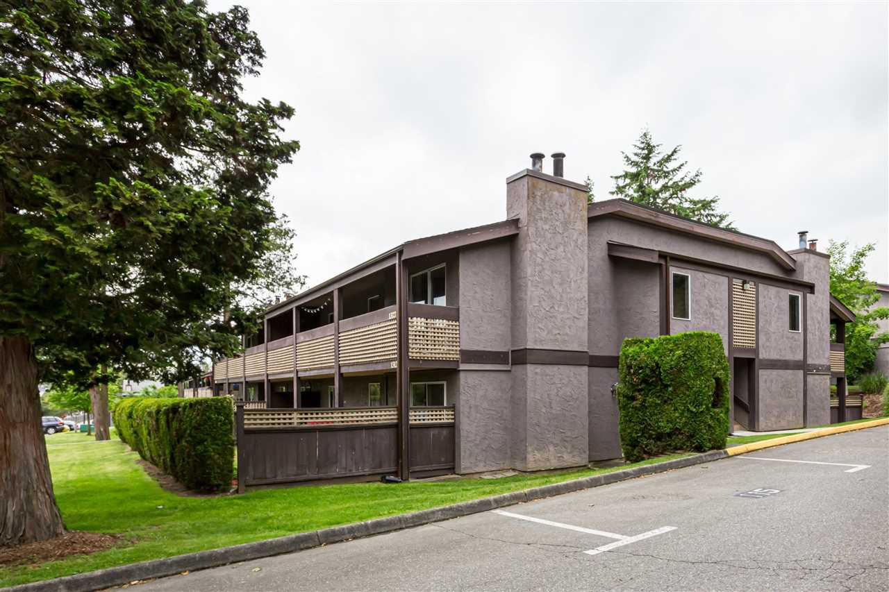 "Main Photo: 1322 34909 OLD YALE Road in Abbotsford: Abbotsford East Townhouse for sale in ""The Gardens"" : MLS®# R2372454"