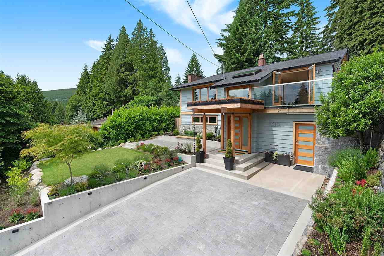 Main Photo: 1010 CLEMENTS Avenue in North Vancouver: Canyon Heights NV House for sale : MLS®# R2380587