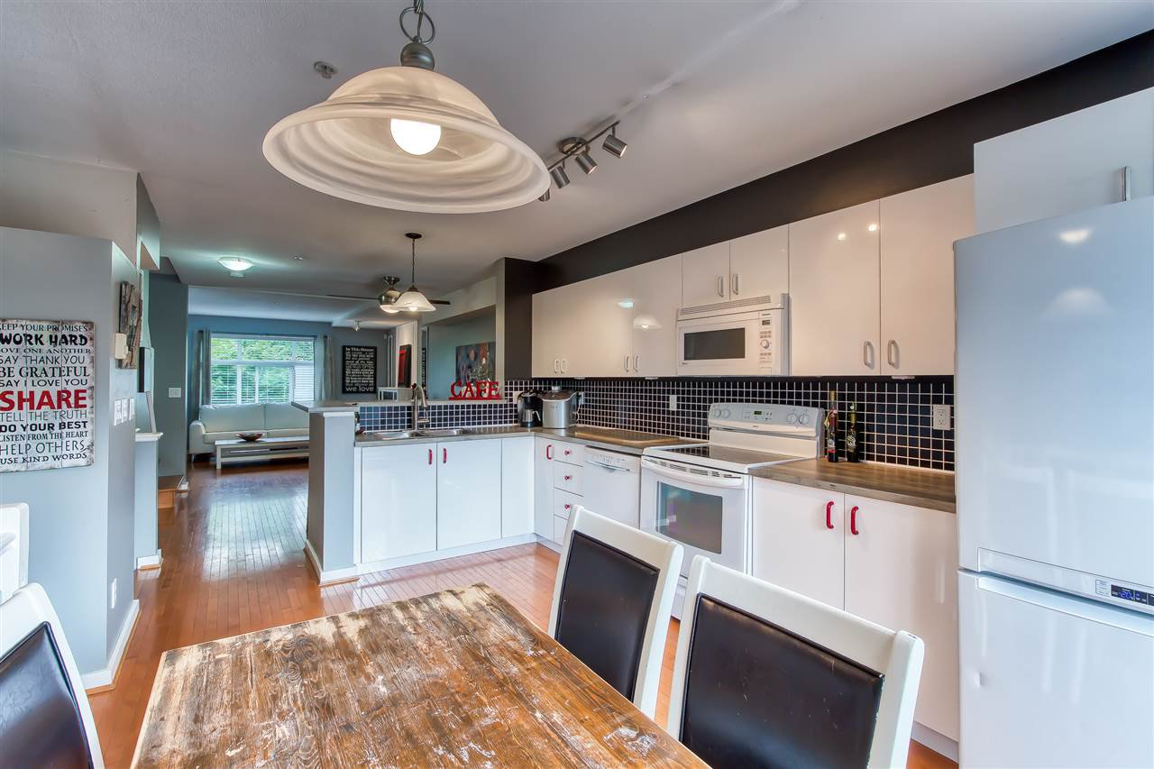 "Photo 11: Photos: 2 7179 201 Street in Langley: Willoughby Heights Townhouse for sale in ""DENIM"" : MLS®# R2385534"