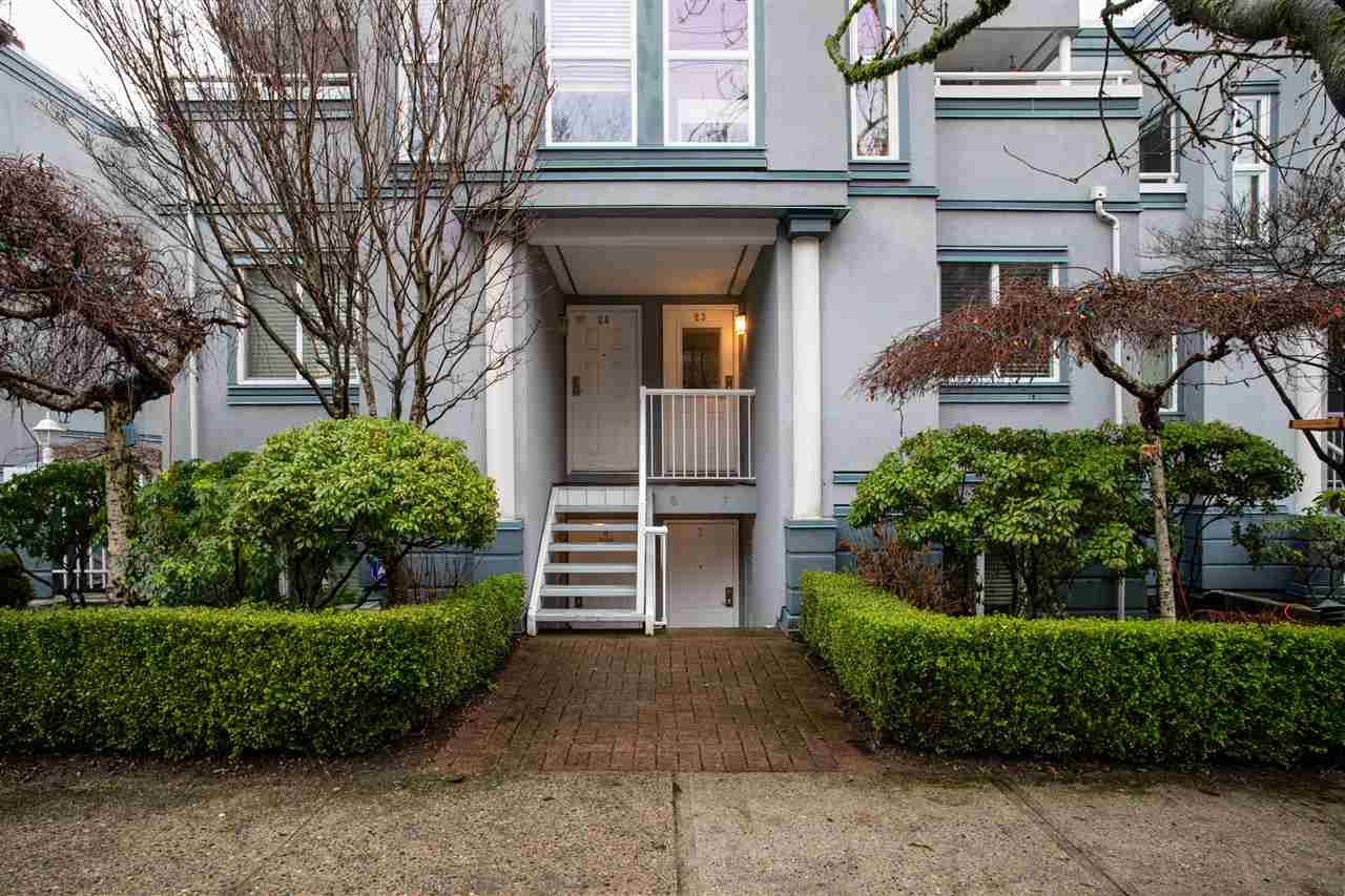 "Main Photo: 23 877 W 7TH Avenue in Vancouver: Fairview VW Townhouse for sale in ""Emerald Court"" (Vancouver West)  : MLS®# R2431450"