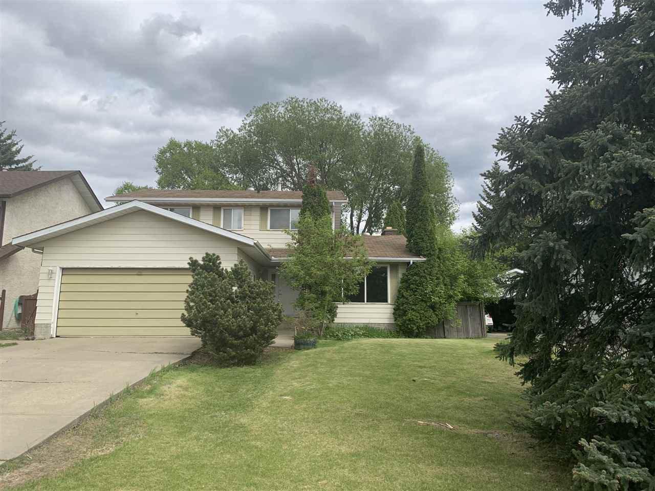 Main Photo: 124 WESTRIDGE Road in Edmonton: Zone 22 House for sale : MLS®# E4199354
