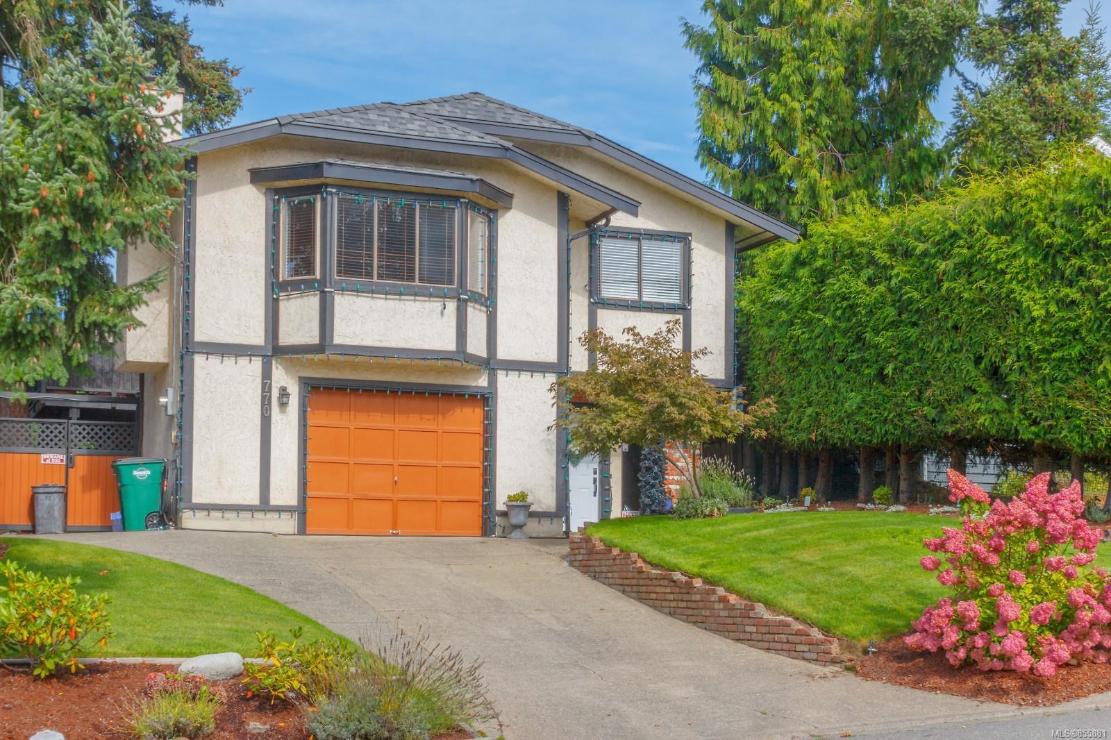 Main Photo: 770 Mann Ave in : SW Royal Oak House for sale (Saanich West)  : MLS®# 855881