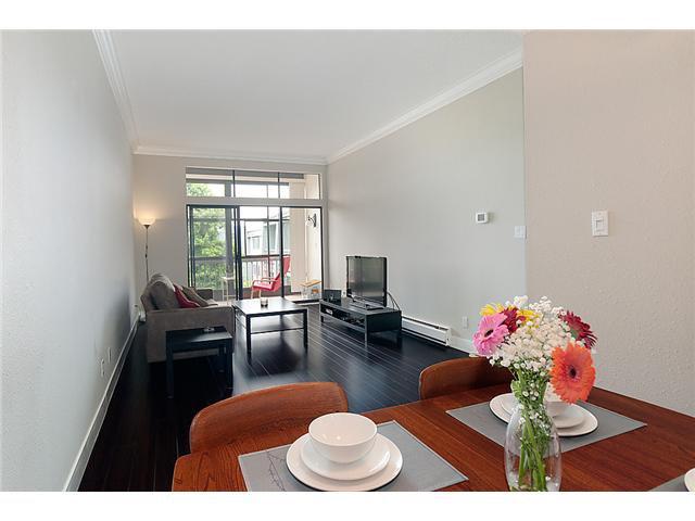 "Main Photo: 309 3411 SPRINGFIELD Drive in Richmond: Steveston North Condo for sale in ""BAYSIDE COURT"" : MLS®# V911631"