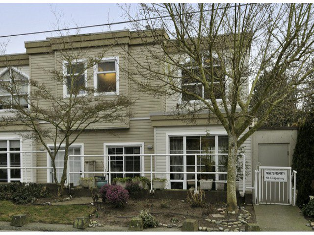 """Main Photo: 1169 VIDAL Street: White Rock Townhouse for sale in """"Montecito By the Sea"""" (South Surrey White Rock)  : MLS®# F1402836"""