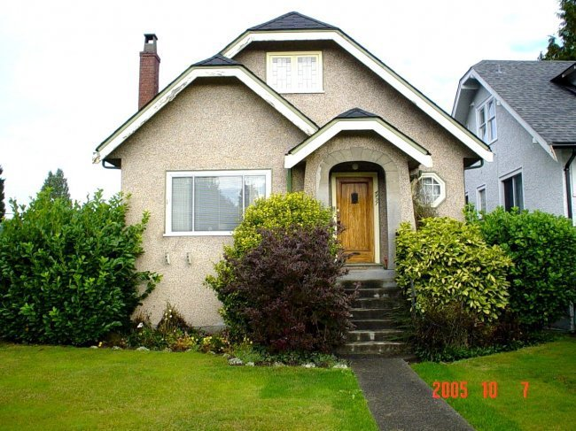 Main Photo:  in 1: Home for sale : MLS®# V561415