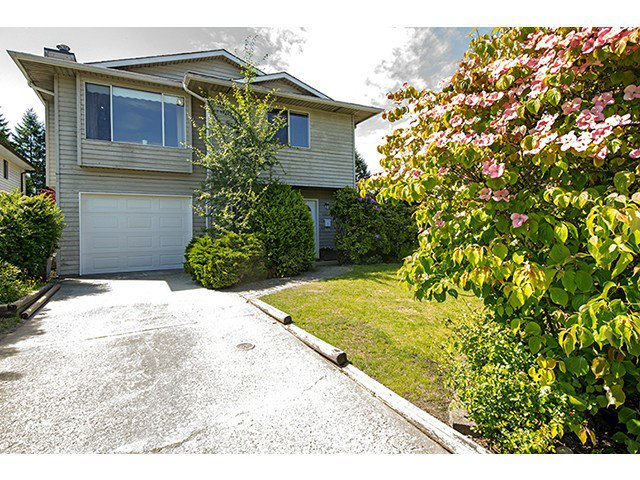 "Main Photo: 3156 REDONDA Drive in Coquitlam: New Horizons House for sale in ""New Horizons"" : MLS®# V1069439"