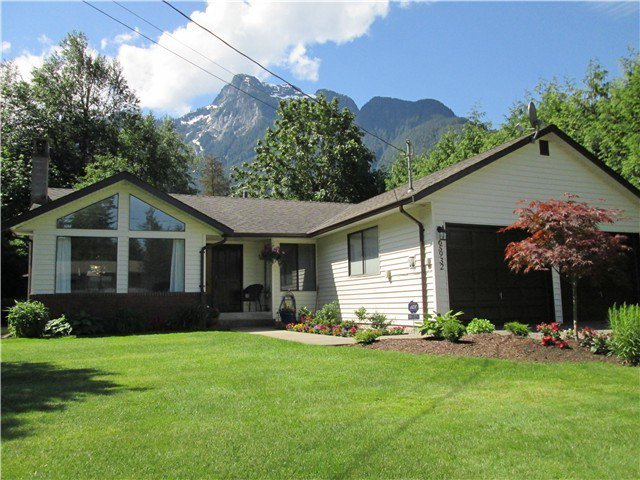 "Main Photo: 65932 PARK Avenue in Hope: Hope Kawkawa Lake House for sale in ""HOPE CENTER"" : MLS®# H2150415"