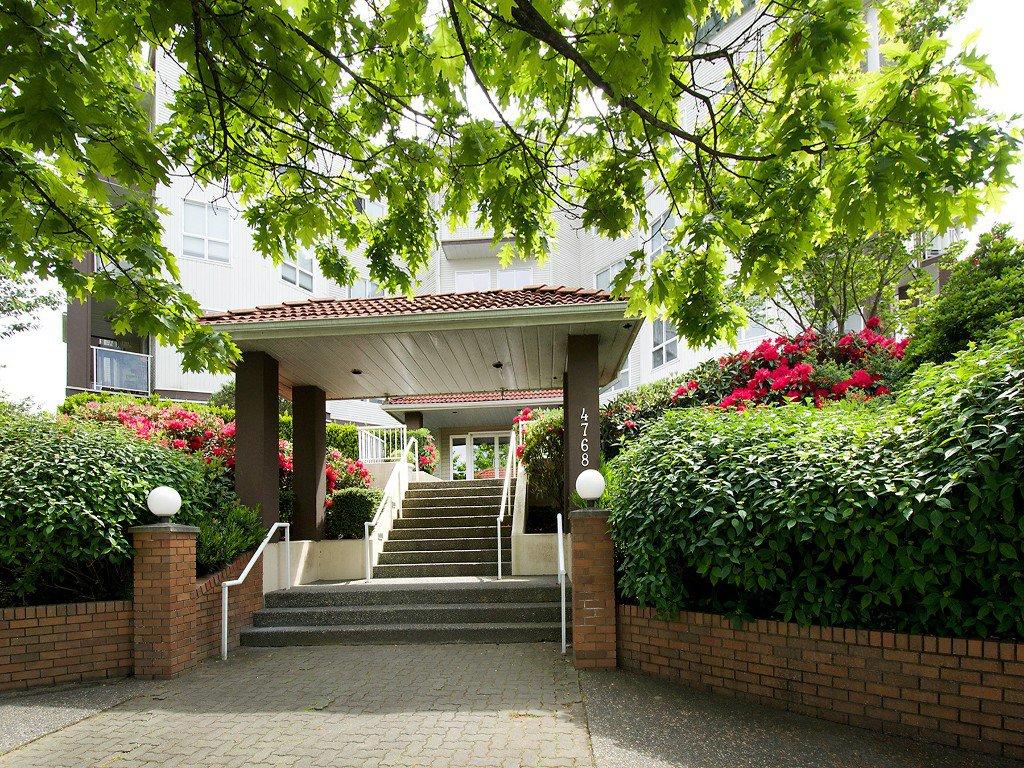 Main Photo: 202 4768 53RD Street in Ladner: Delta Manor Condo for sale : MLS®# V1122828